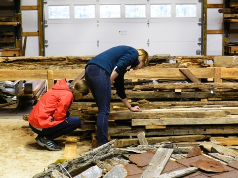 Exploring the constructions timbers from Menokin.